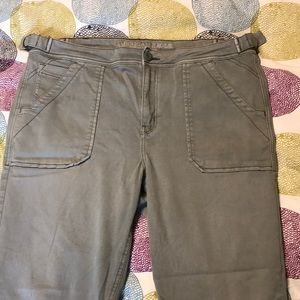 American Eagle tomgirl super stretch jeans size 14
